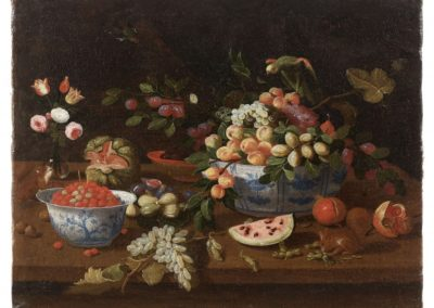 Still life with porcelain cuecos, squirrel and parrot