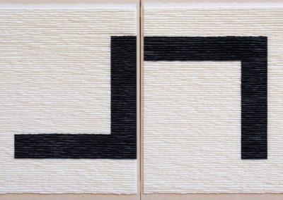 Díptico estructura negra sobre fondo blanco